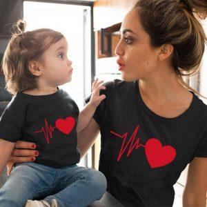 Camiseta tal Mãe tal filha(o) Batida de Coração